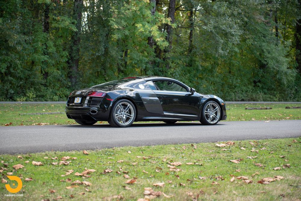 2010 Audi R8 V10-4.jpg