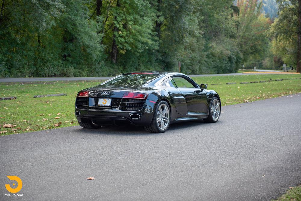 2010 Audi R8 V10-6.jpg