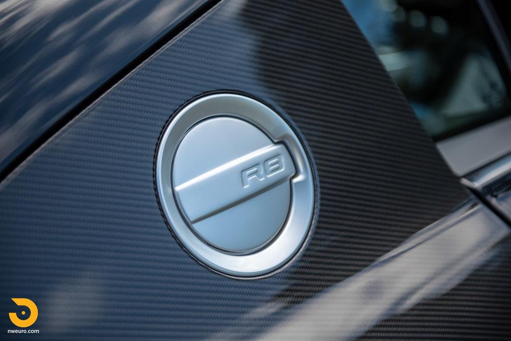 2010 Audi R8 V10-9.jpg