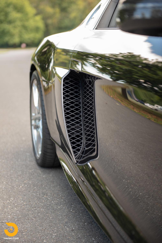 2010 Audi R8 V10-13.jpg