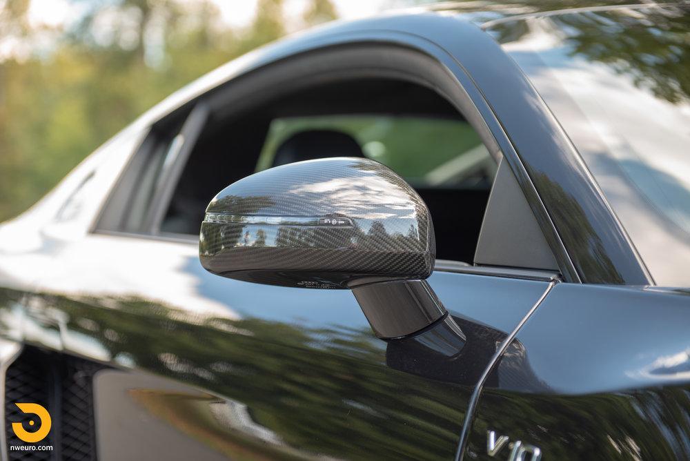 2010 Audi R8 V10-12.jpg