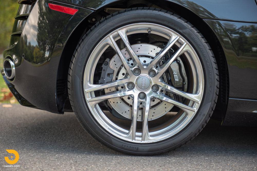 2010 Audi R8 V10-15.jpg
