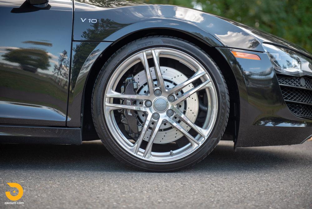 2010 Audi R8 V10-16.jpg
