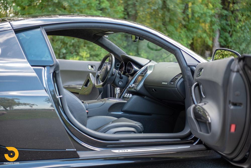 2010 Audi R8 V10-17.jpg
