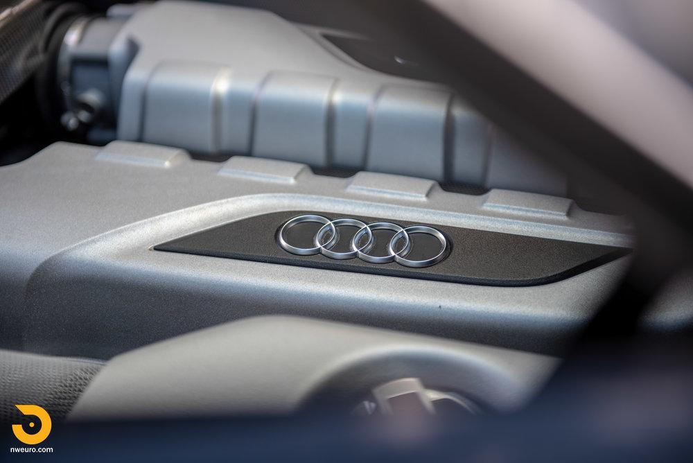 2010 Audi R8 V10-30.jpg