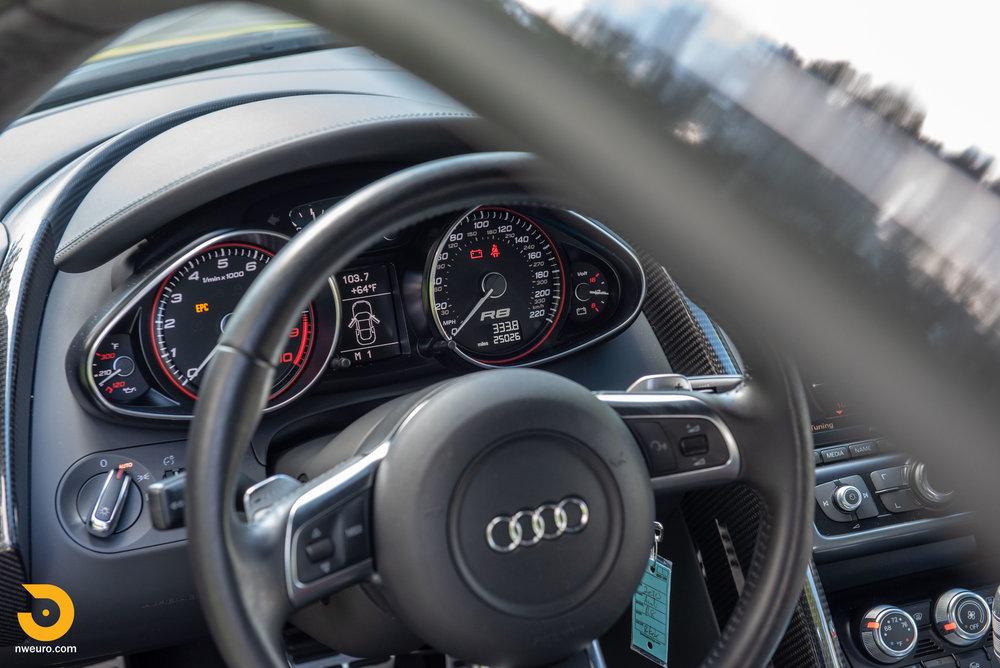 2010 Audi R8 V10-33.jpg