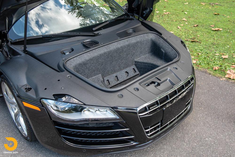 2010 Audi R8 V10-35.jpg