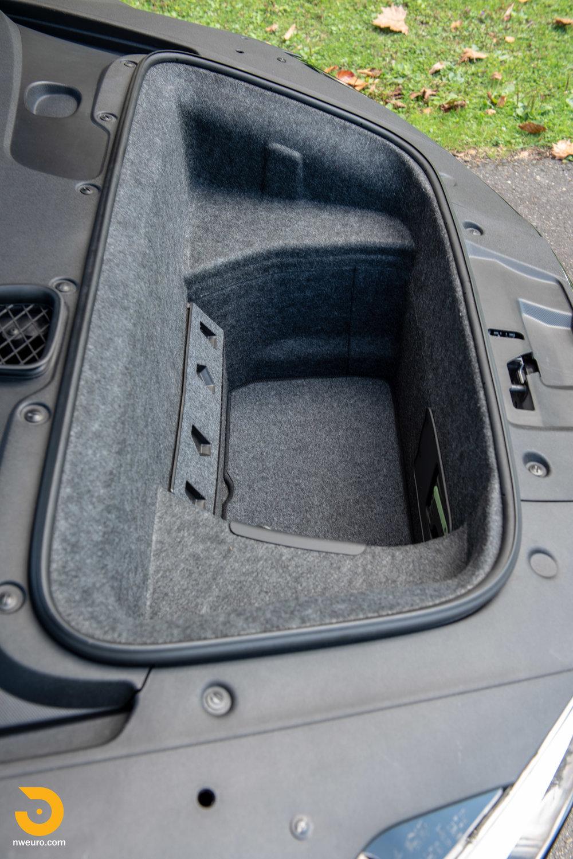 2010 Audi R8 V10-36.jpg