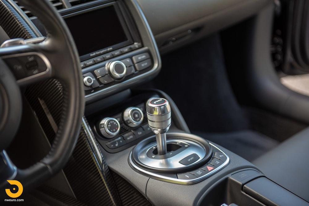 2010 Audi R8 V10-42.jpg
