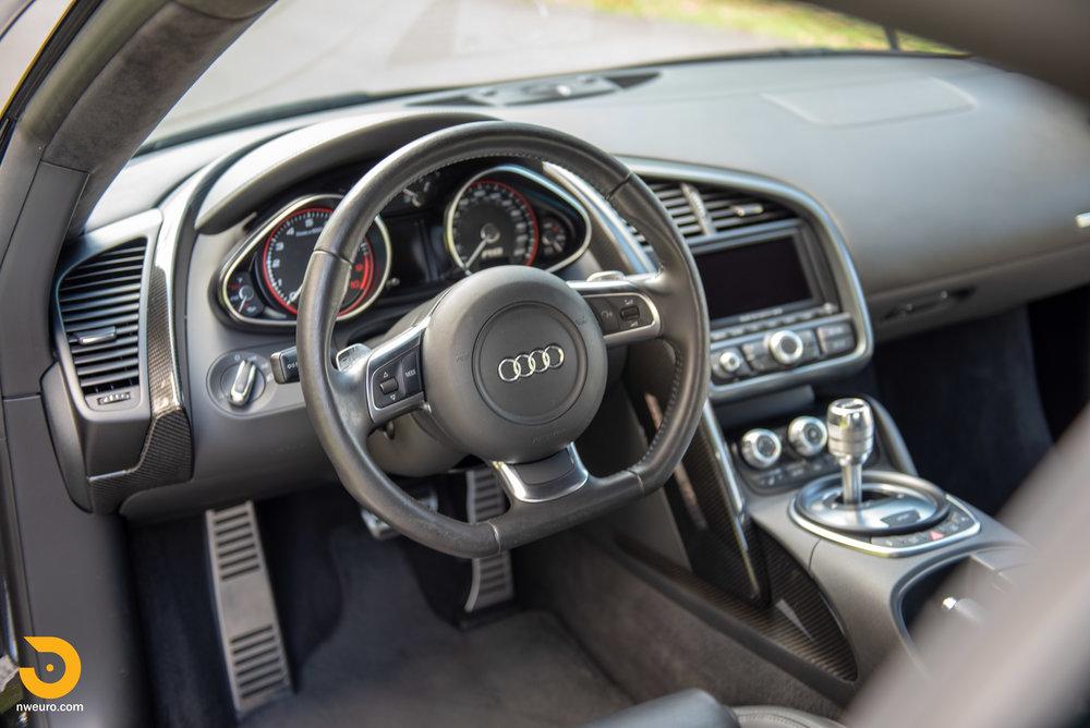2010 Audi R8 V10-43.jpg