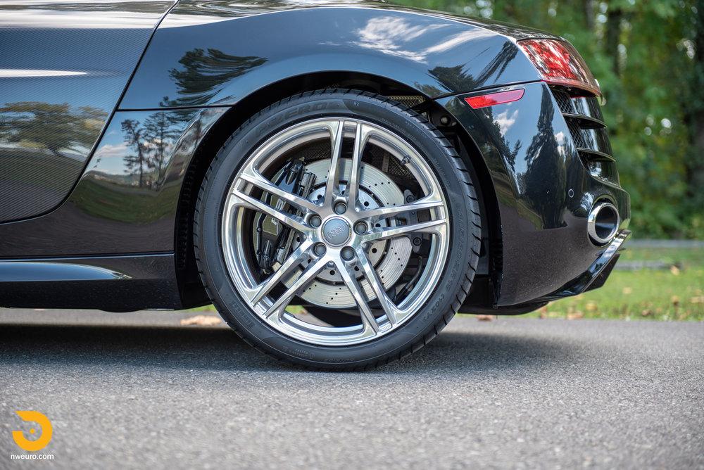 2010 Audi R8 V10-51.jpg