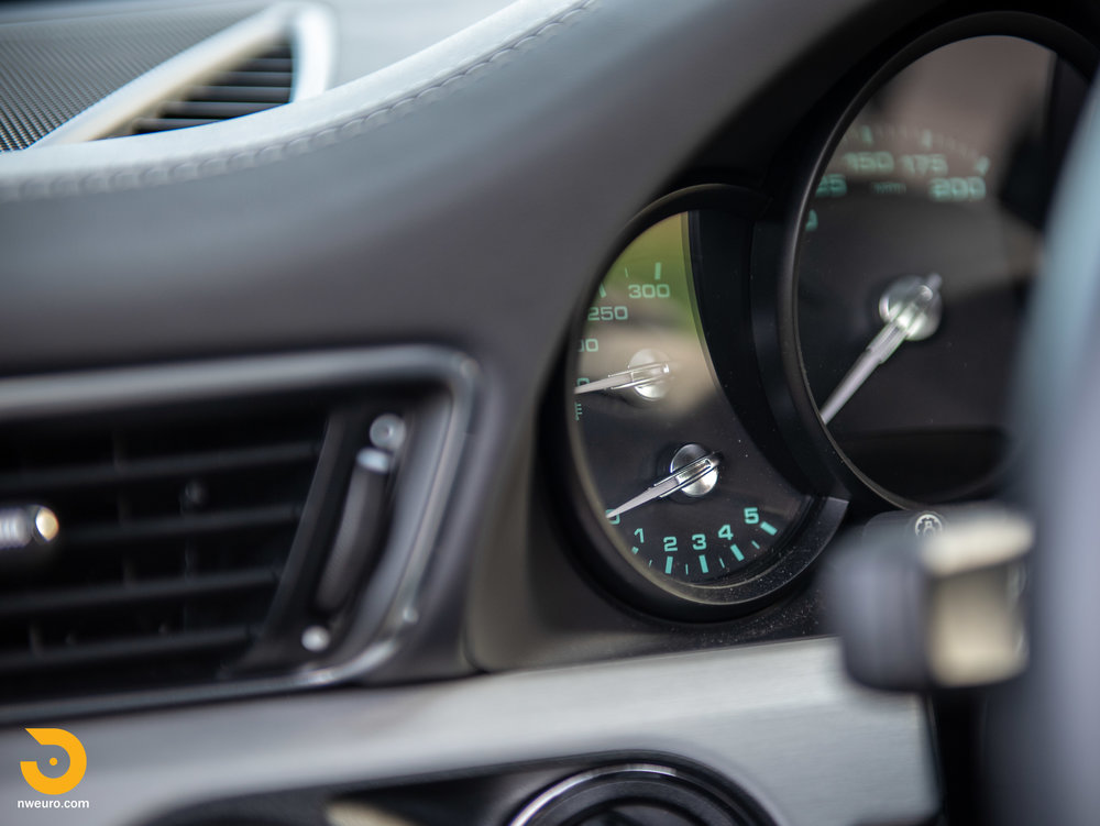 2014 Porsche 911 50th Anniversary Edition-3.jpg