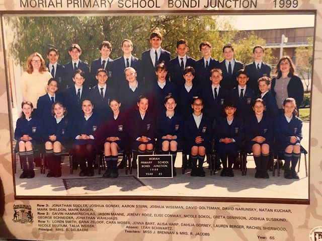 🍗 Thanksgiving always makes me feel nostalgic. So, here is 6th grade. ➡️ swipe to see what 6th grade bad hair day looks like! 🤦🏼‍♂️ . . . . . #thanksgiving #thanksgivingnostalgia #nostalgic #grade6 #6thgrade #year6 #year6teacher #6thgradeteacher #schooluniforms #moriahcollege #jewishdayschool #sydneyschool #1999 #partylikeits1999 #badhairdayeveryday #badhairday😂