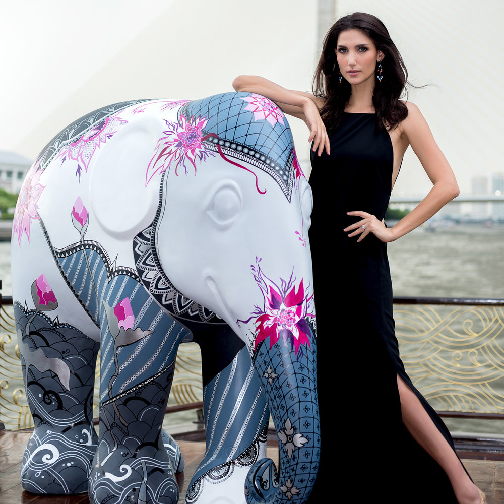 Elephant Parade - Cindy Sirinya Bishop