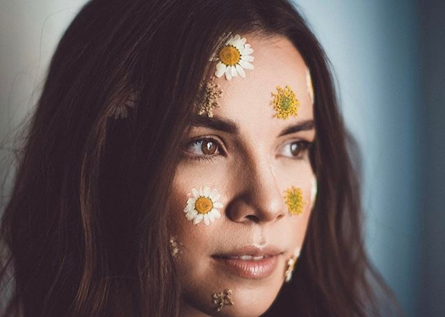 Glam on @ingridnilsen 📸 @dfreske