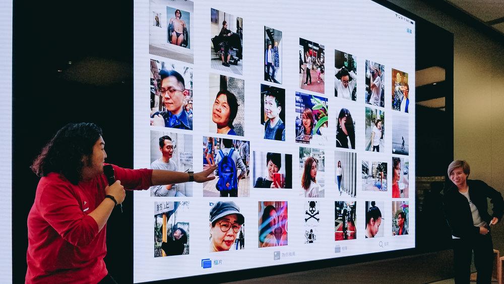 Showing participants their portraits /