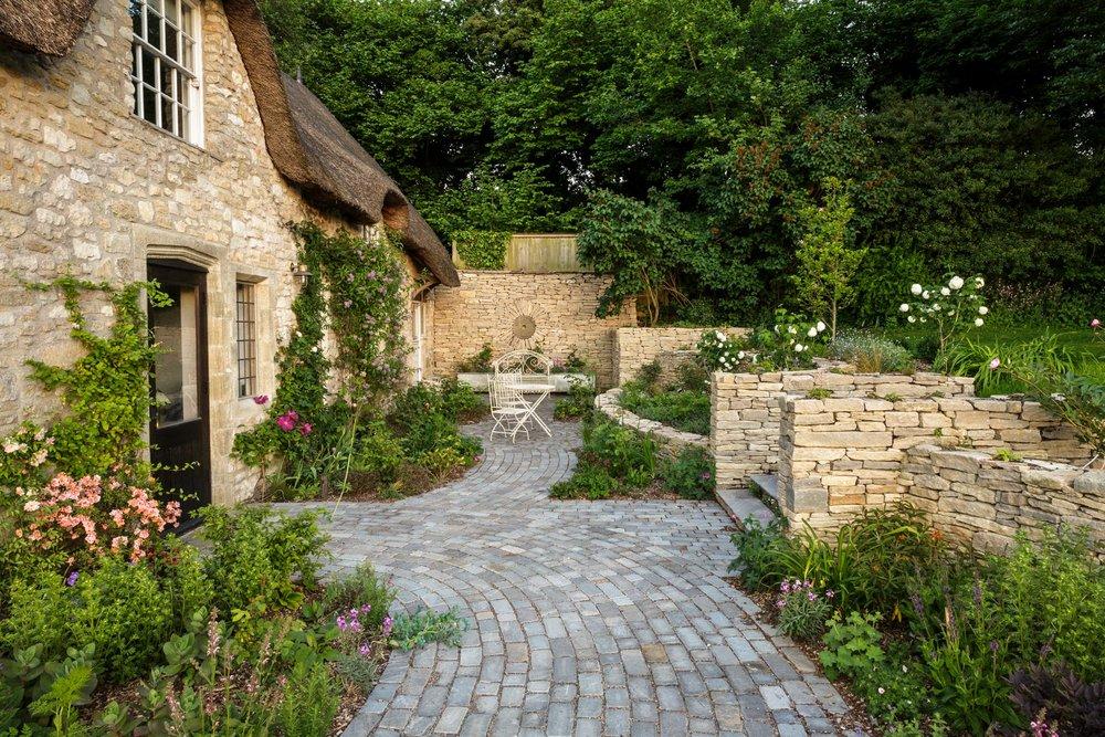 Eaglestone Landscape Design - Applethatch (1).jpg