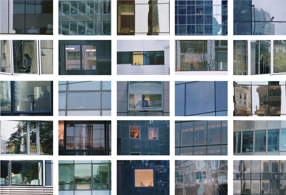 W, Paris 2004 - 120 images - format 16 x 24 cm - photographies Silvana Reggiardo