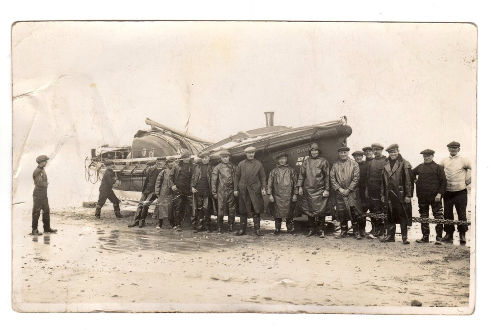 Cromer lifeboat HArriot dixon and her crew - around 1936