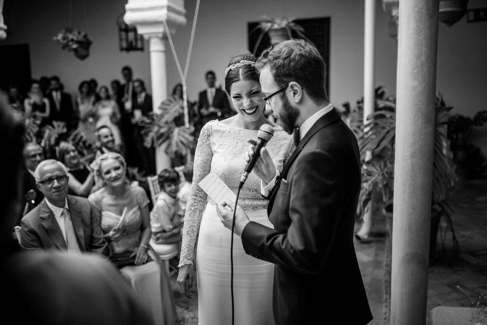 Boda-Sevilla-Museo-Carmona-Hamburgo-Maria-Carles-engagement-Rafael-Torres-fotografo-bodas-sevilla-madrid-barcelona-wedding-photographer--24.jpg