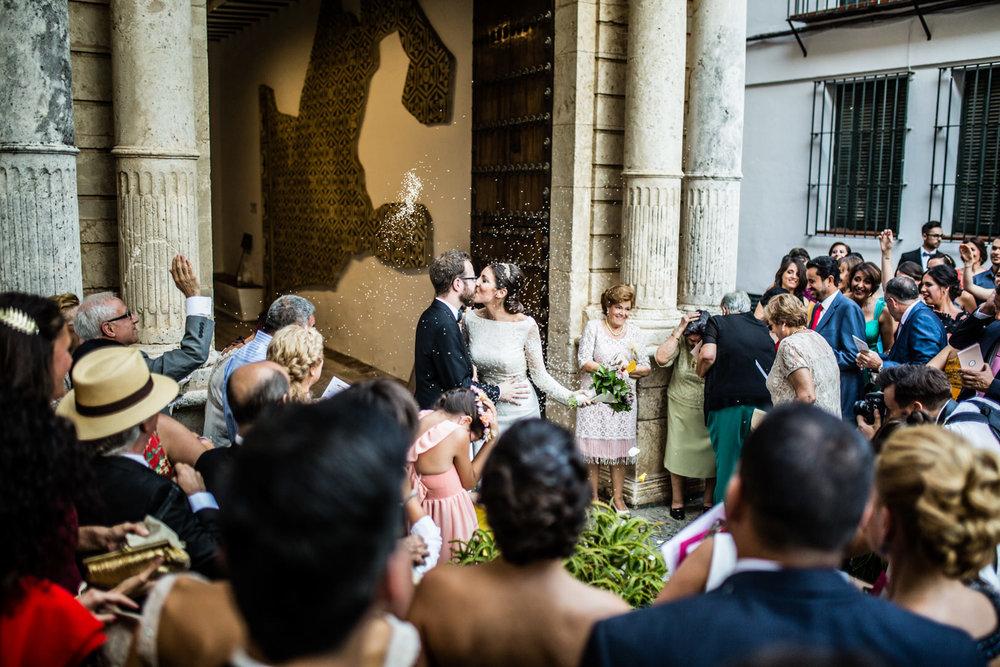 Boda-Sevilla-Museo-Carmona-Hamburgo-Maria-Carles-engagement-Rafael-Torres-fotografo-bodas-sevilla-madrid-barcelona-wedding-photographer--27.jpg
