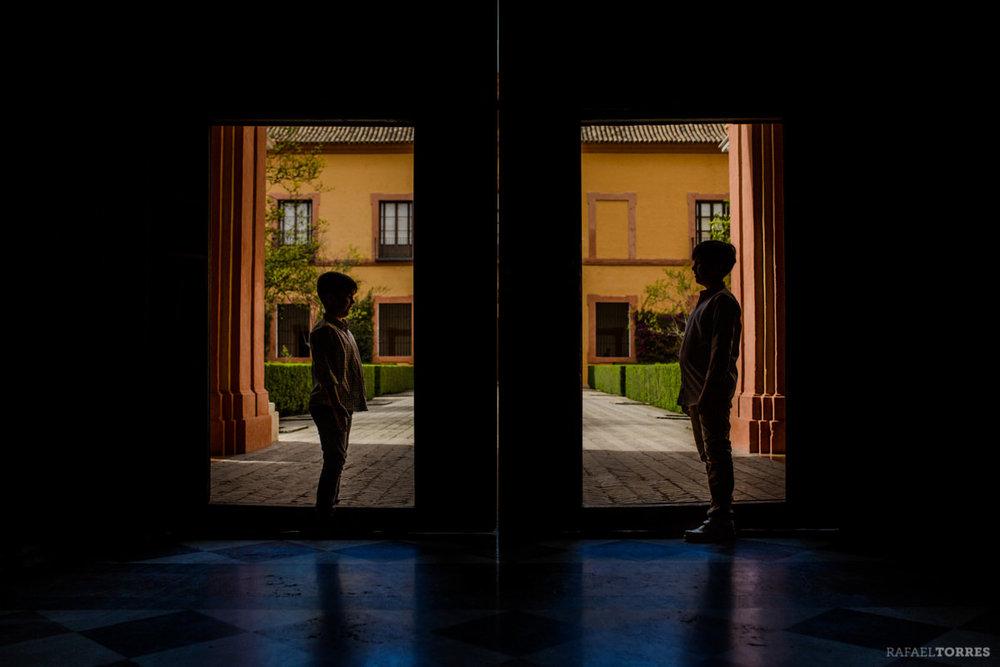 comunion-sesion-fotografia-creativa-rafaeltorres-fotografo-fotografiadiferente-sesiones-exterior-album-sevilla-18.jpg