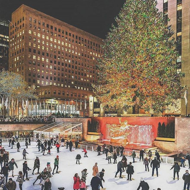 Christmas is coming! With just over a month til Christmas, the hectic rush begins to get shizzle done! How do you manage holiday anxiety? Tip 1) start the shopping (hopefully online) asap to avoid the crowds! #christmasiscoming  #Repost @welovetheamerica ・・・ Rockefeller Center, New York🎄 #rockefellercenter #plaza #manhattan #brooklyn #centralpark #empirestatebuilding #christmas #christmastime #christmastree #love #newyork #ny #newyorkcity #nyc #photography #picoftheday