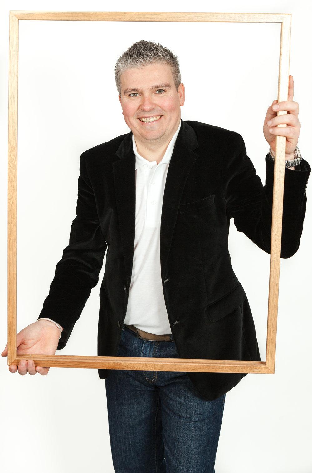 David Bell in Frame