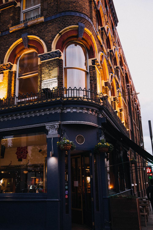 london-pub-wedding.jpg