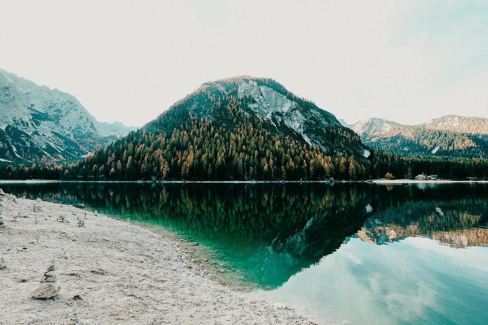 lake-braies-styled-shoot.jpg