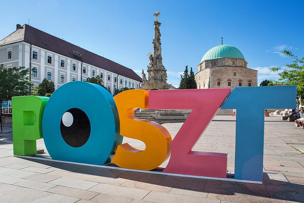 POSZT tábla a Széchenyi téren.
