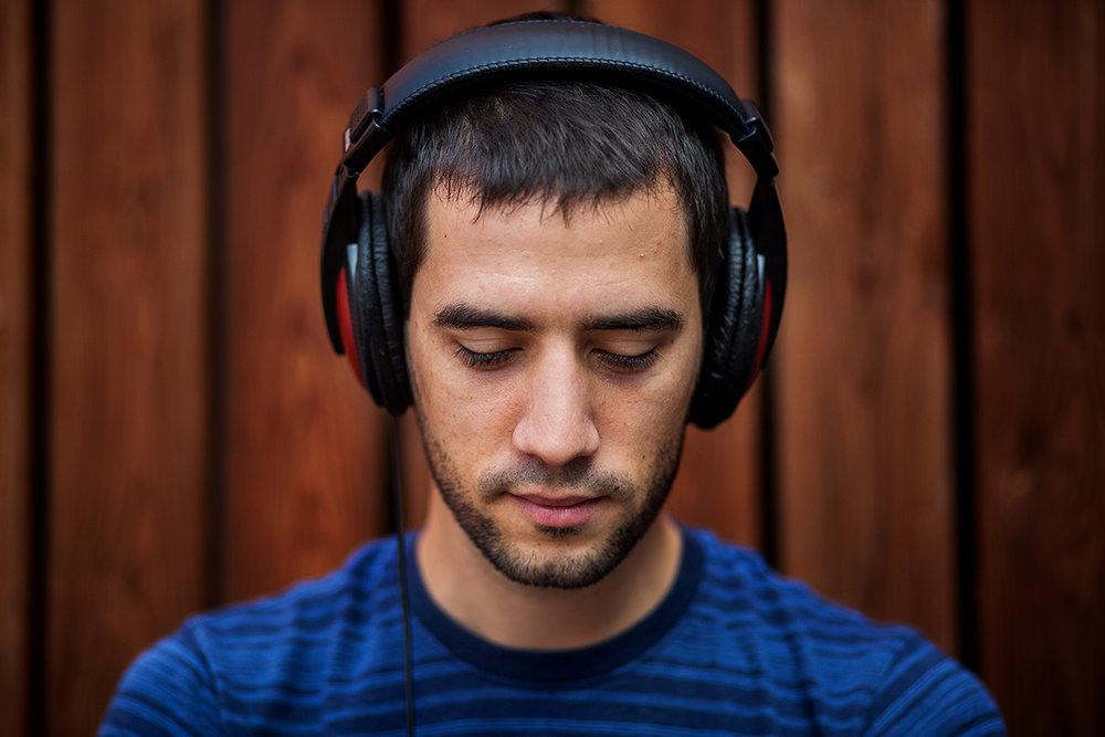 Zenehallgató portré