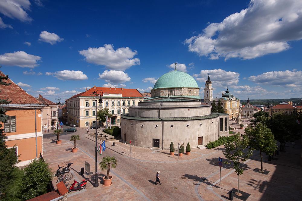 Dzsámi, Pécs