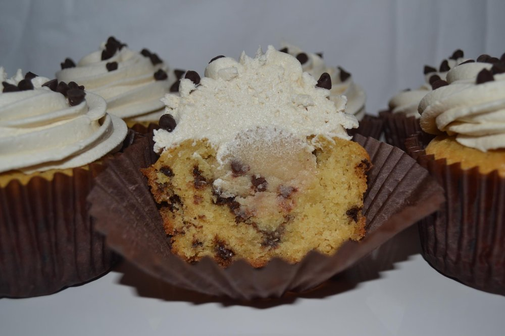 Cookie Dough Yellow cake with chocolate chips / chocolate chip cookie dough / vanilla buttercream / mini chocolate chips