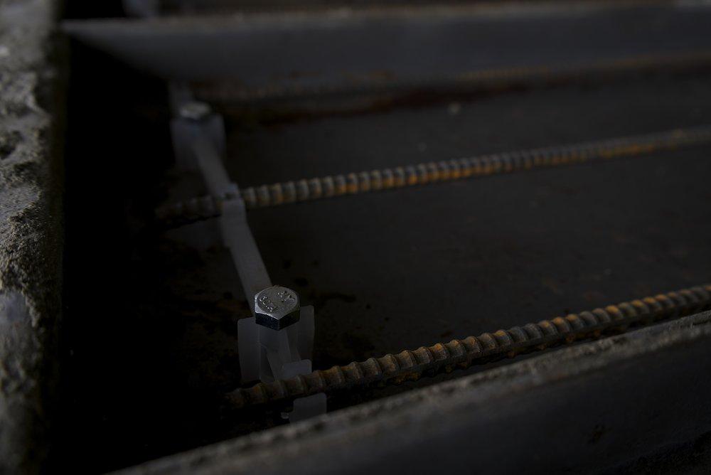 plastic_insert_concrete_stair_mold.jpeg