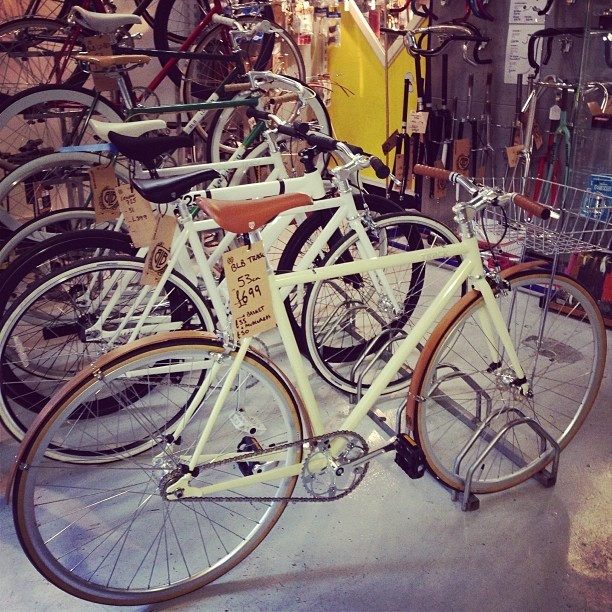 What a beautiful bike! @bricklanebikes YES PLEASE!! @cyclelove