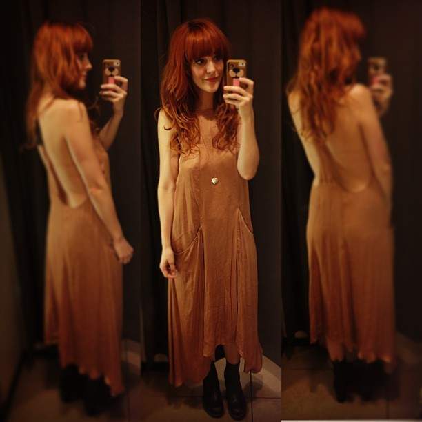 This dress is just £22.99 in the @Zara sale. I think I want to take it #GreekIslandHopping with me. What do you think?