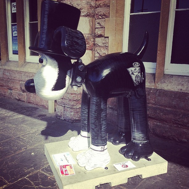 Woo hoo! @growwilduk just spotted our first @GromitUnleashed at Bristol Temple Meads. Isambark Kingdog Brunel by Tim Miness. #Bristol #GrowWild