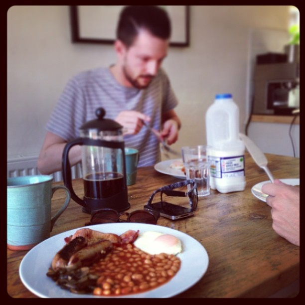 Breakfast with the boys. Thank you for the fry-up @madebyothers.    www.madebyothers.com