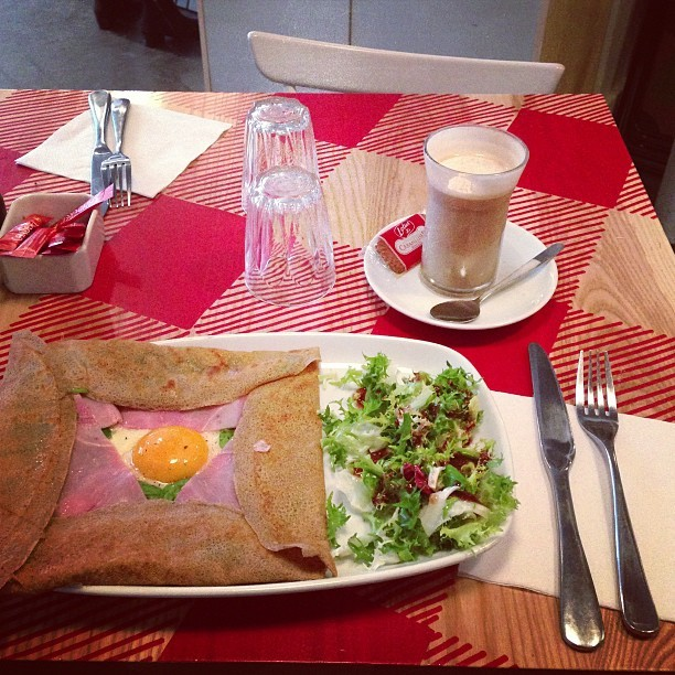 Crepe for dinner at Le Petite Bretagne. @jmgcreative #wishyouwerehere #food