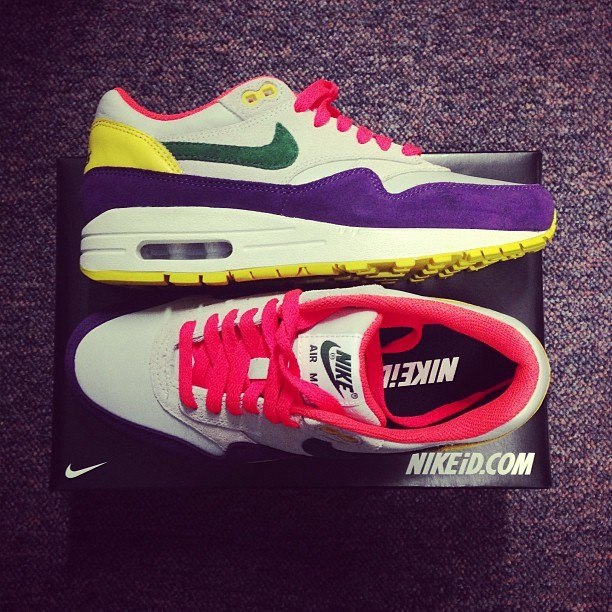 Woo hoo! Look who just brightened up my day! Literally! Thank you @nikeid @nikeuk. These are my #weownthenight reward!