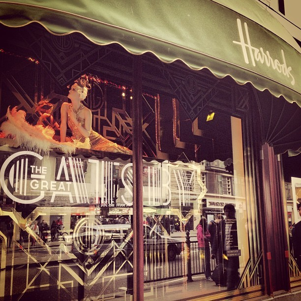 If you're in London and haven't yet got over Gatsby fever, check out the fabulous @harrods window displays. Stunning!