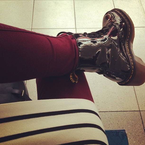 Not worn these bad boys in a while…   I love my @drmartens Clemency boots.   #Todayimwearing them with my @topshop Leigh skinny jeans, my @cosstores striped knit dress and @melimelobags Thela bag from @ybdfashion