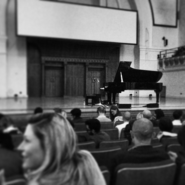 Beautiful @SteinwayandSons grand piano on stage @cadoganhall. Waiting for @chillygonzales to do his thang!