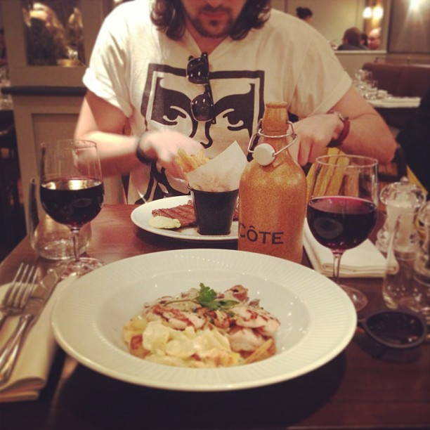 Just been for a pre-@chillygonzales @cadoganhall gig slap-up meal with @jmgcreative at #Côte on Sloane Square, London. I'm soo full!