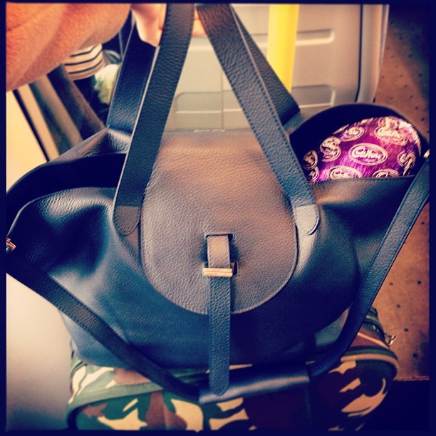 Doing the Easter Bunny's work in style with my @ybdfashion @melimelobags navy #Thela bag.