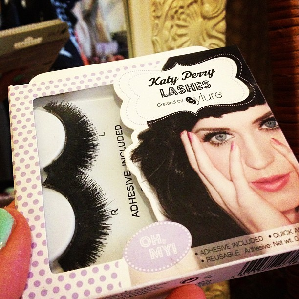 So girls, ladies, @EylureUK, #bbloggers… Tell me. How the flip are you supposed to put these eyelashes on? I paid around £7 for these #KatyPerry falsies in Boots - I bought them for the Pirates & Princesses family fancy dress party - and then spent nearly 20 mins getting messily getting glue all over my own eyelashes (despite leaving around 15-20 seconds between applying glue to the fake ones and attempting to stick them to my own) and then unsuccessfully giving up and going au naturel. They are just too heavy/not malleable enough to stay put on your own lash line? Any tips would be welcomed… Thanks. #beauty #falselashes #eylure #makeup #fail #blogger #triedandtested #help