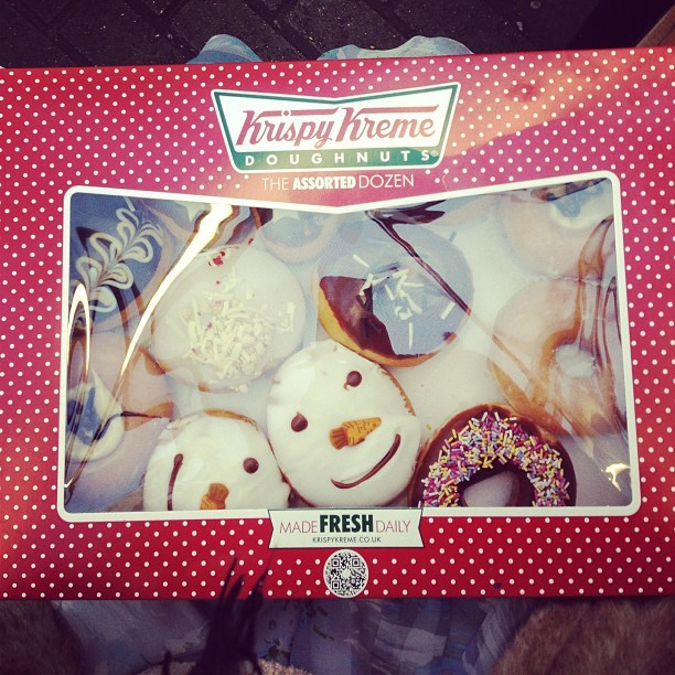 A little Christmas @Krispykreme donut-shaped treat for my lovely colleagues and I. Yessss! (Jealous @jmgcreative ??) hehe! #krispykreme #donuts #officechristmasparty #snowman #sprinkles #saltedcaramel #chocolate