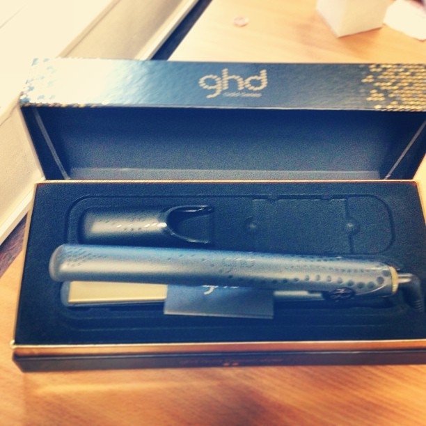 Woo Hoo! I won a pair of classic @ghd's in a raffle @urbeautique's event @TheTrafalgar raising money for #CancerResearch.  http://www.urbanretreat.co.uk/beautique/  #win #hair #ghd #blogger #competition #urbanretreat #london #happy