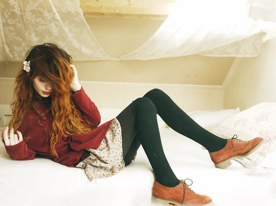 Hi shoes  (by  Nadia Esra )